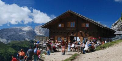 Hütte o resturant dalta muntanya
